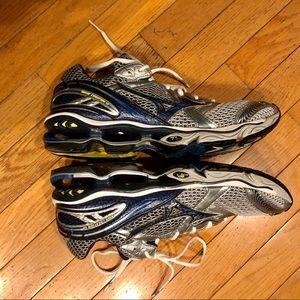 Boost Wave Mizuno Running Sneakers 10.5